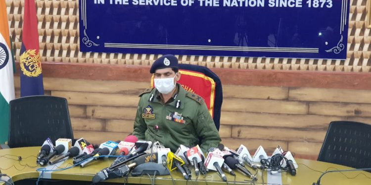 Sopore Encounter: Foreign Militant Hamas Involved In councilors Killing Among Trapped, Say IGP